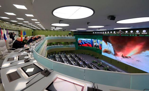 Le ministère de la Défense russe et Vladimir Poutine assistent au test de lancement d'un...