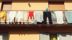 Cade dal quarto piano per stendere i panni: muore 25enne a
