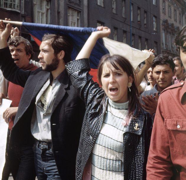 Διπλωματική κόντρα Τσεχίας - Ρωσίας για την σοβιετική εισβολή στην Τσεχοσλοβακία το