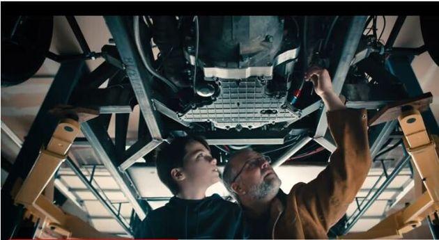 ΗΠΑ: Πατέρας και γιος κατασκευάζουν την πρώτη τρισδιάστατη Lamborghini