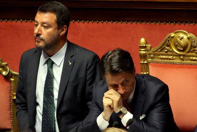 Salvini trolla Conte da un