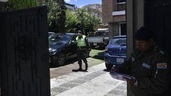 Exteriores niega haber ayudado a asilados bolivianos a salir de la embajada de