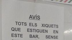 Un bar de Valencia triunfa con su contundente aviso a los clientes con