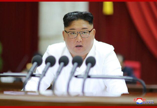 2019년 12월29일 열린 조선노동당 중앙위원회 7기 5차 전원회의에서 김정은 위원장이 발언하고 있다.