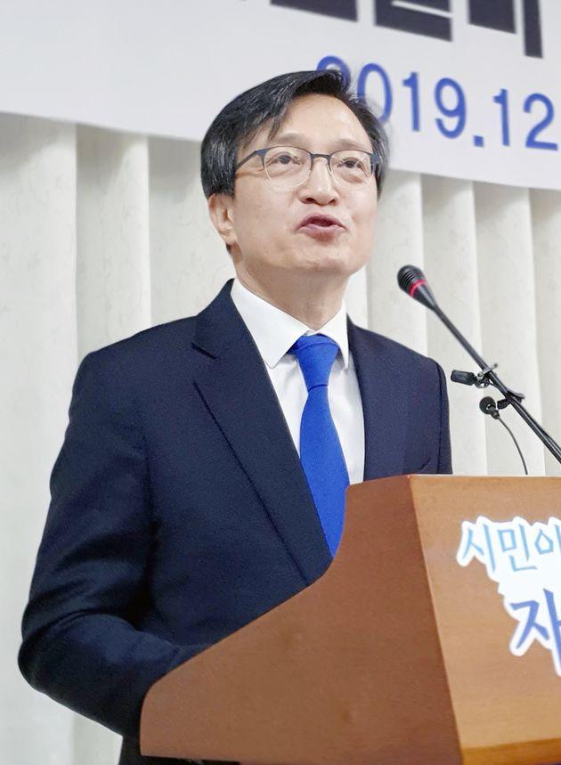 김의겸 전 청와대 대변인이 19일 오전 전북 군산시 군산시청에서 기자회견을 갖고 21대 국회의원 총선 출마 선언을