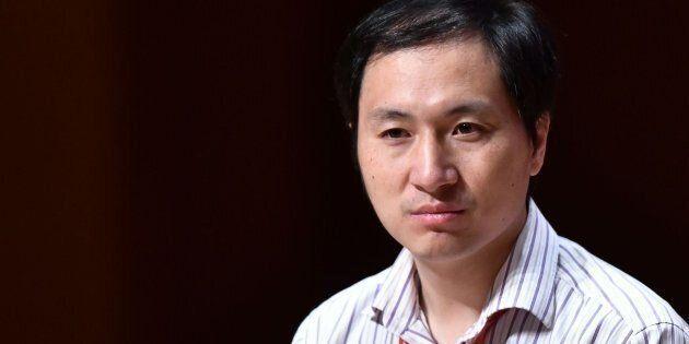 El científico chino He
