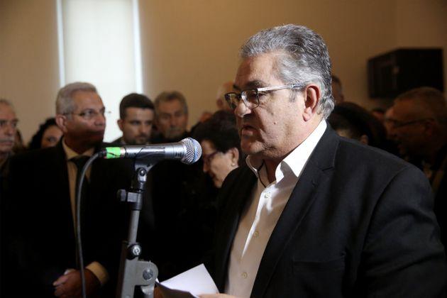 Ο Γεν. Γραμματέας του ΚΚΕ, Δημήτρης Κουτσούμπας κατά την εκφώνηση του επικήδειου.