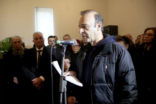 Ο στιχουργός -και αγαπημένος φίλος του Θάνου Μικρούτσικου- Οδυσσέας Ιωάννου εκφώνησε επίσης επικήδειο.