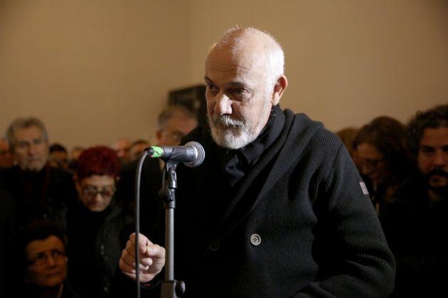 Ο Γιώργος Κιμούλης αποχαιρέτησε τον αγαπημένο του φίλο, στον τρίτο επικήδειο που εκφωνήθηκε.