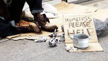 アラバマ州警察署長に対応しウイルスの写真の役員'ホームレスのキルト'