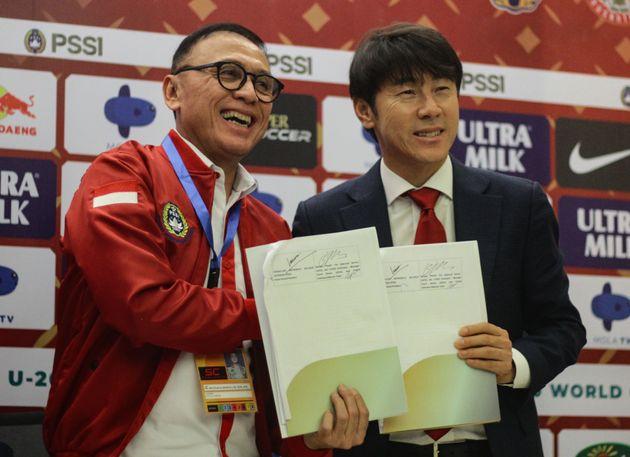 신태용이 인도네시아 남자축구 대표팀 감독으로 공식