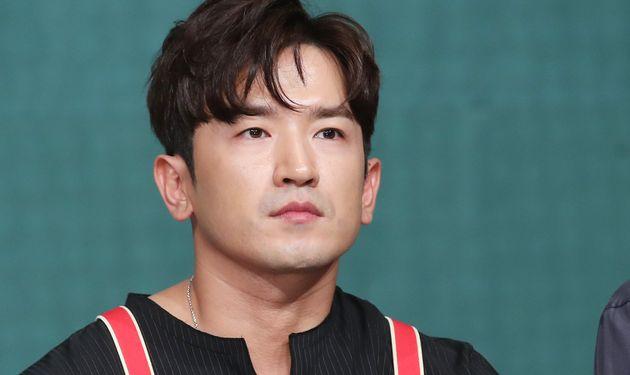 신화 출신 이민우가 '강제추행' 무혐의 처분을