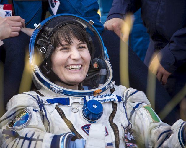 Samantha Cristoforetti lascia a sorpresa l'Aeronautica