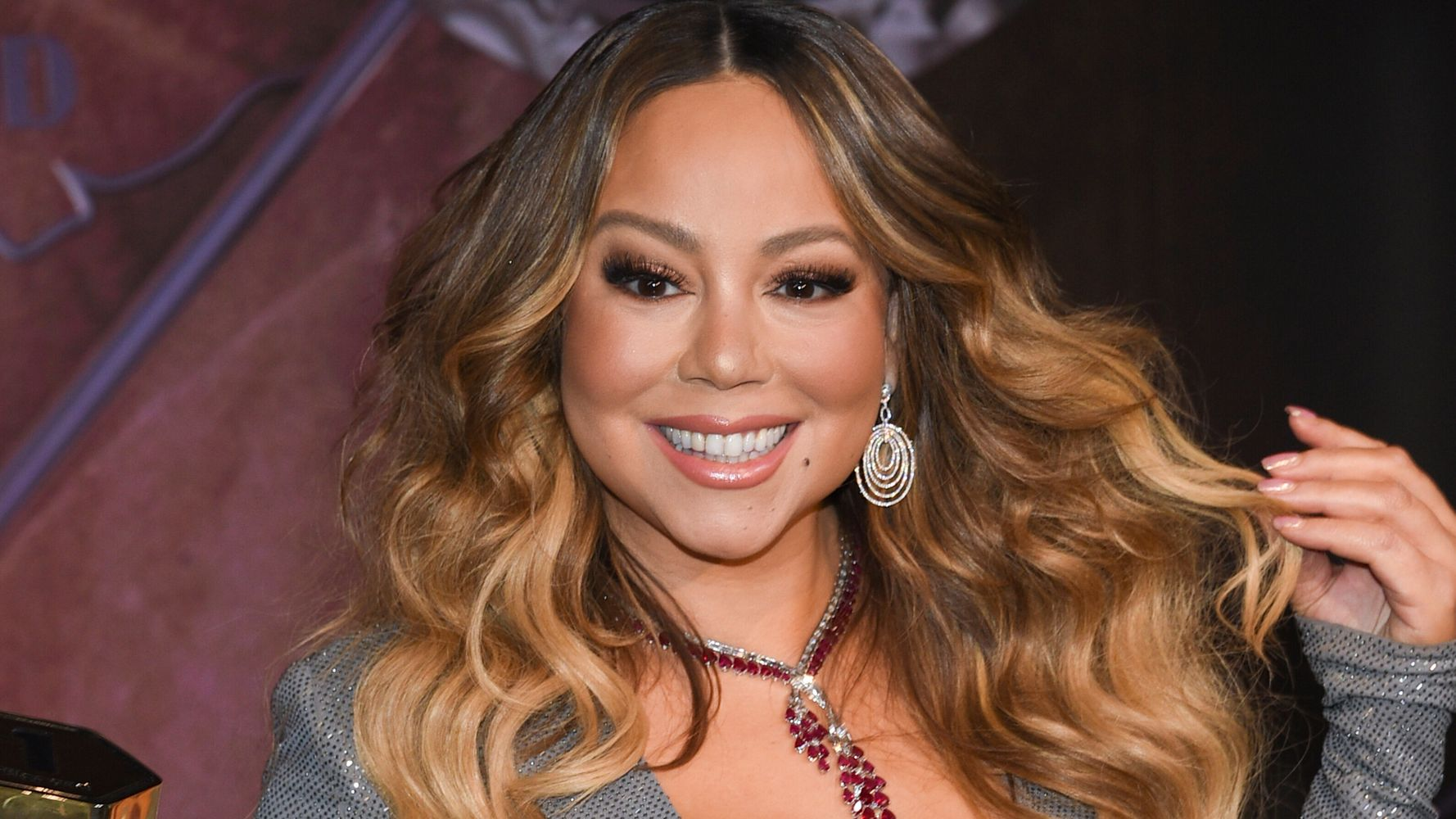 Westlake Legal Group 5e0c09d224000086245a4a98 Mariah Carey Hacked On Twitter Right In The Middle Of Her 'Freaking Nap'