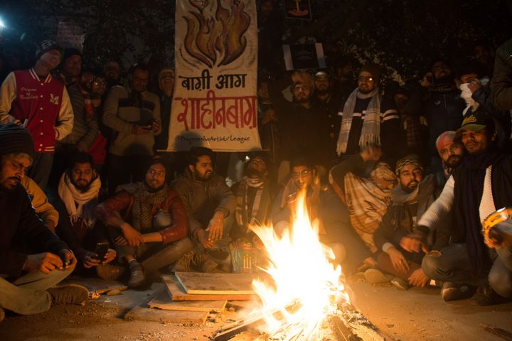People take part in the sit-in protest against the Citizenship Amendment Act 2019 in Shaheen Bagh, Delhi on December 31, 2019.