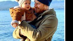 Το μωρό Άρτσι σας εύχεται καλή χρονιά: Η γλυκιά φωτογραφία με τον πρίγκιπα Χάρι στο
