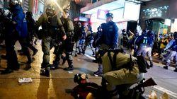 Oltre un milione in piazza a Hong Kong, scontri con la