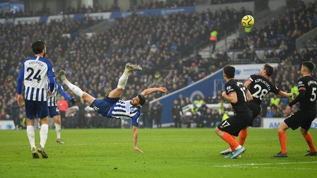 Alireza Jahanbakhsh inscrivant un but spectaculaire lors de Brighton-Chelsea le 1er janvier
