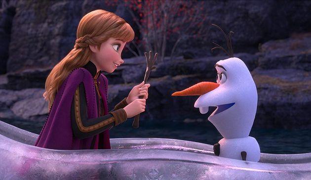 O boneco de neve Olaf ganha um papel bem mais consistente em