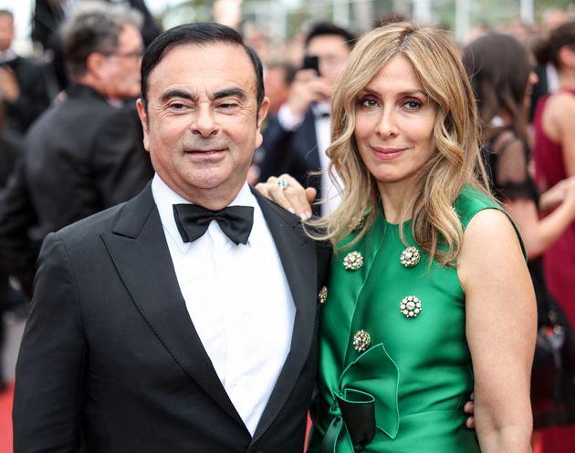 Carlos Ghosn (ici avec son épouse Carole lors du festival de Cannes 2017) a fui le Japon, où...