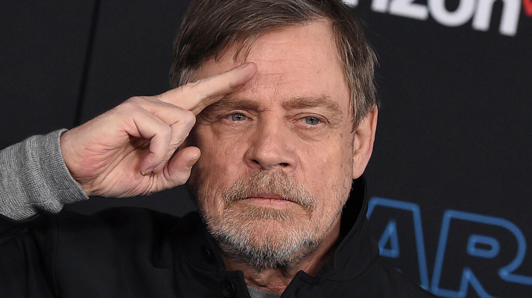 Westlake Legal Group 5e0da85525000079bad31954 Mark Hamill Has The Question People Should Ask About The Trump Impeachment