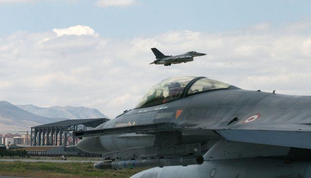 Υπερπτήσεις τουρκικών μαχητικών πάνω από τις Οινούσσες και την
