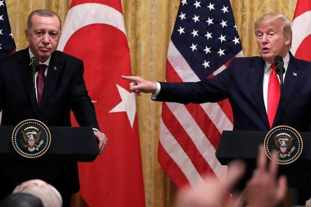 Προειδοποίηση Τραμπ σε Ερντογάν για την «ξένη ανάμιξη» στη