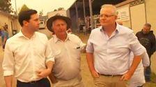 Αυστραλός Πρωθυπουργός, Σκοτ Μόρισον, Φώναξε Έξω Από Την Πόλη Ισοπεδώθηκε Από Πυρκαγιά