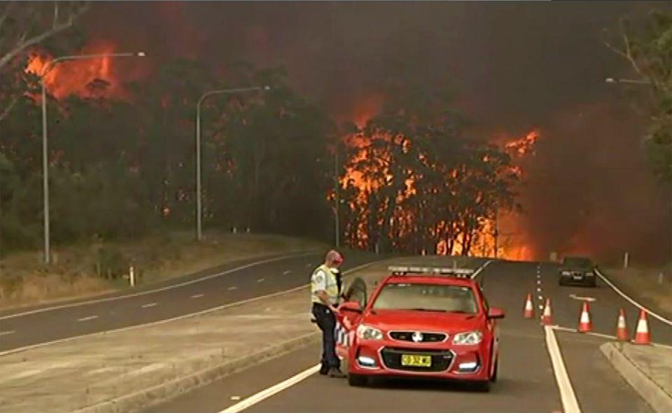 호주 전역 '최악의 산불'로 관광객들에게 대피령이