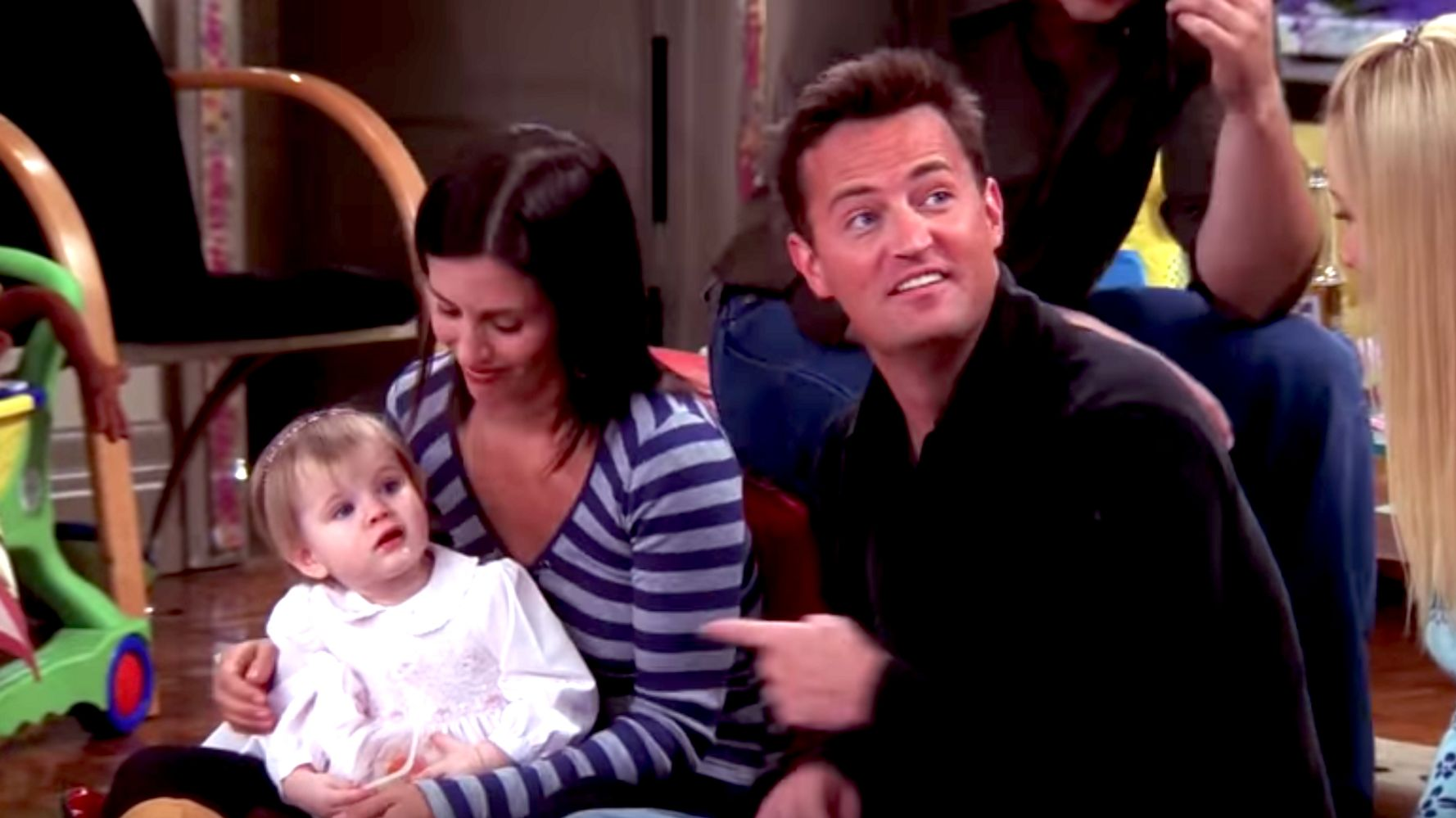 Westlake Legal Group 5e0ed00025000079bad31a8c It's 2020 And The Actor Who Played Baby Emma In 'Friends' Says Her Nap Is Over