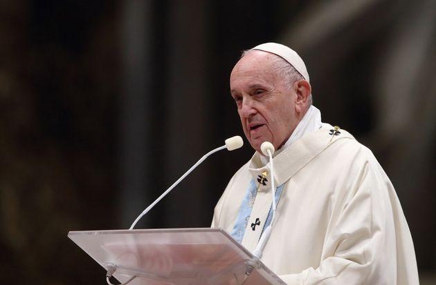Dal Papa nessuna apertura all'eutanasia o al suicidio