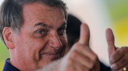 'Muita coisa escrita': Bolsonaro critica livros didáticos usados na rede