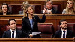 Los aplausos de Podemos a Pedro Sánchez, mientras Casado y Abascal entrenan en la misma fila de