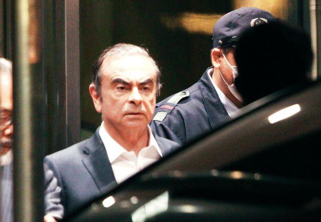 Carlos Ghosn quittant le centre de détention de Tokyo, le 25 avril