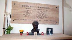 Mattarella al cimitero per ricordare il fratello Piersanti ucciso dalla