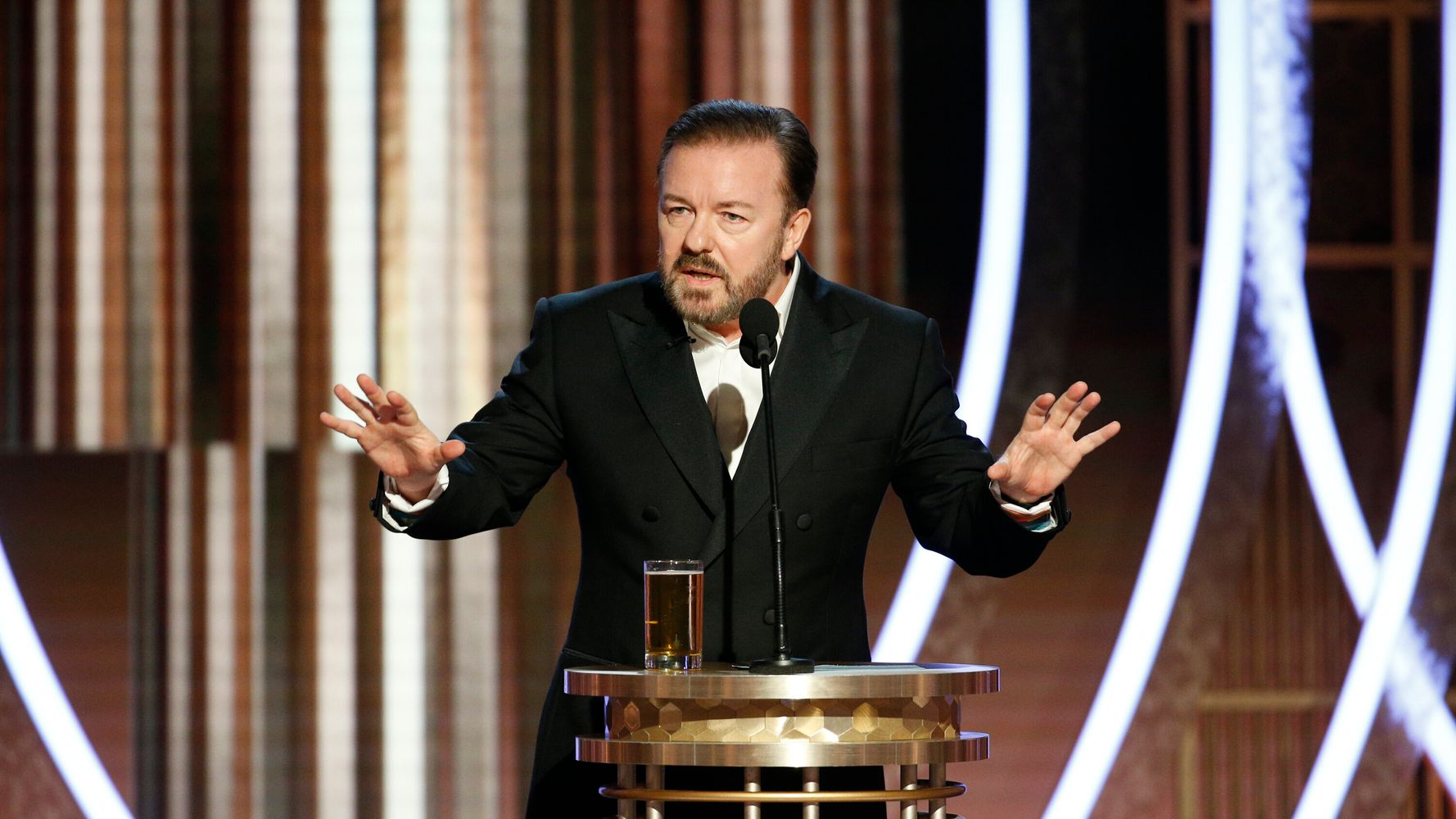 Westlake Legal Group 5e128dbd2500003b1998fd65 Ricky Gervais Says Epstein Didn't Kill Himself, Drags Felicity Huffman At Golden Globes