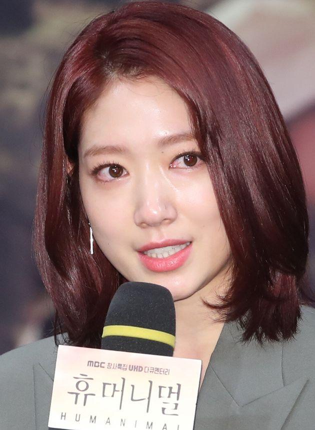 배우 박신혜가 MBC 다큐 '휴머니멀' 제작발표회에서 눈물을 흘린