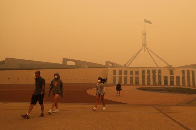 Αυστραλία: 25 νεκροί και 80 εκατ. στρέμματα καμμένης γης - Οι καπνοί «πνίγουν» τη