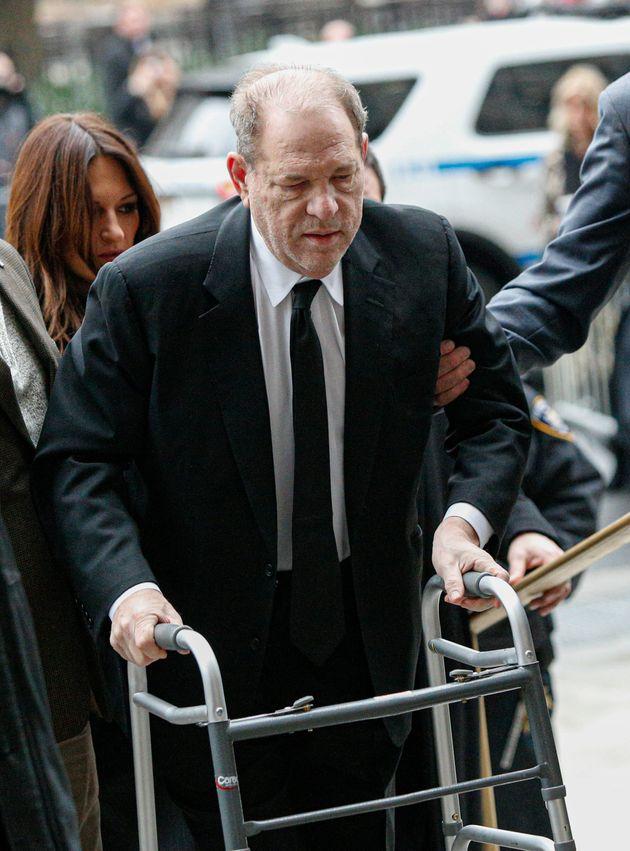 Harvey Weinstein, lors de son arrivée au palais de justice de New York, en ce lundi 6 janvier