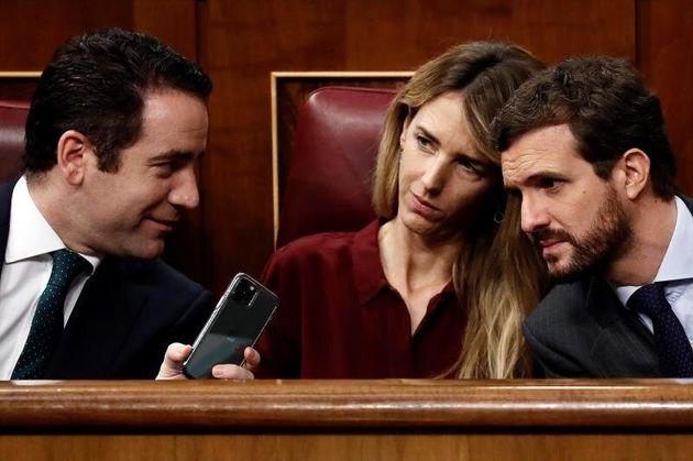 Los dirigentes del PP Teodoro García Egea (i), Cayetana Alvarez de Toledo y Pablo Casado, durante...