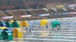 갑작스러운 겨울비에 일시 중단된 강원 겨울축제 현장