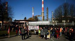 Philippe mobilise les forces de l'ordre contre le blocage des dépôts de carburant