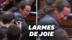 En Espagne, les larmes de Pablo Iglesias après la reconduction de Pedro