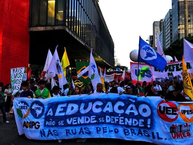 Ato pela educação realizado na Avenida Paulista, em São