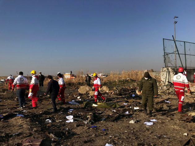 Νεκροί και οι 176 επιβαίνοντες του Boeing που συνετρίβη στο Ιράν μετά την
