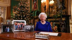 La commovente ragione per cui la regina lascia le decorazioni natalizie fino al 6