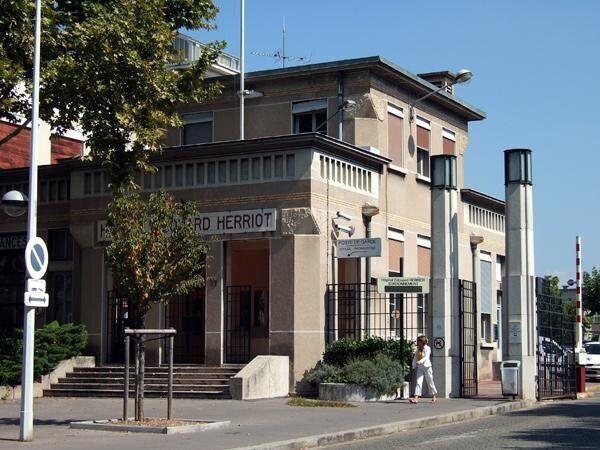 L'hôpital Edouard Herriot à Lyon, où Anas K. s'est réveillé après...