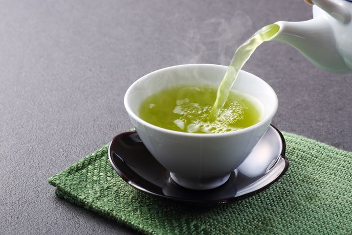 Chá de sene possui propriedades laxativas, mas não pode ser ingerido sem orientação.