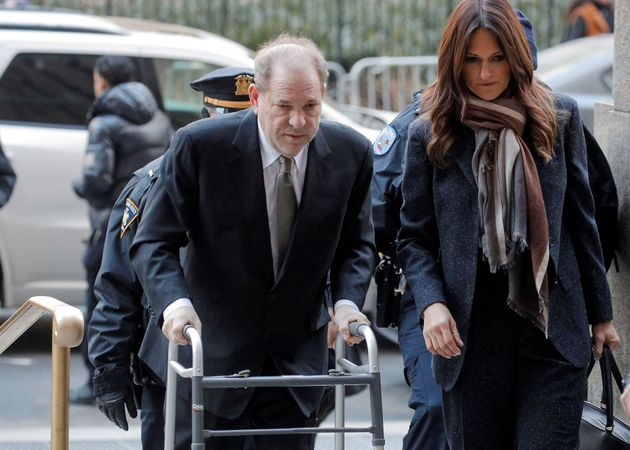 Le producteur de film Harvey Weinstein arrive au tribunal correctionnel de New York pour son procès...