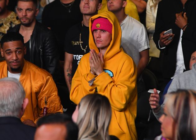 LOS ANGELES, CA - NOVEMBER 09: Justin Bieber attends the fight between KSI and Logan Paul at Staples...